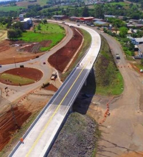 Viaduto de São José do Cedro é concluído e aberto ao tráfego.
